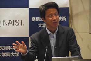 【写真】橋本教授の記者会見の様子